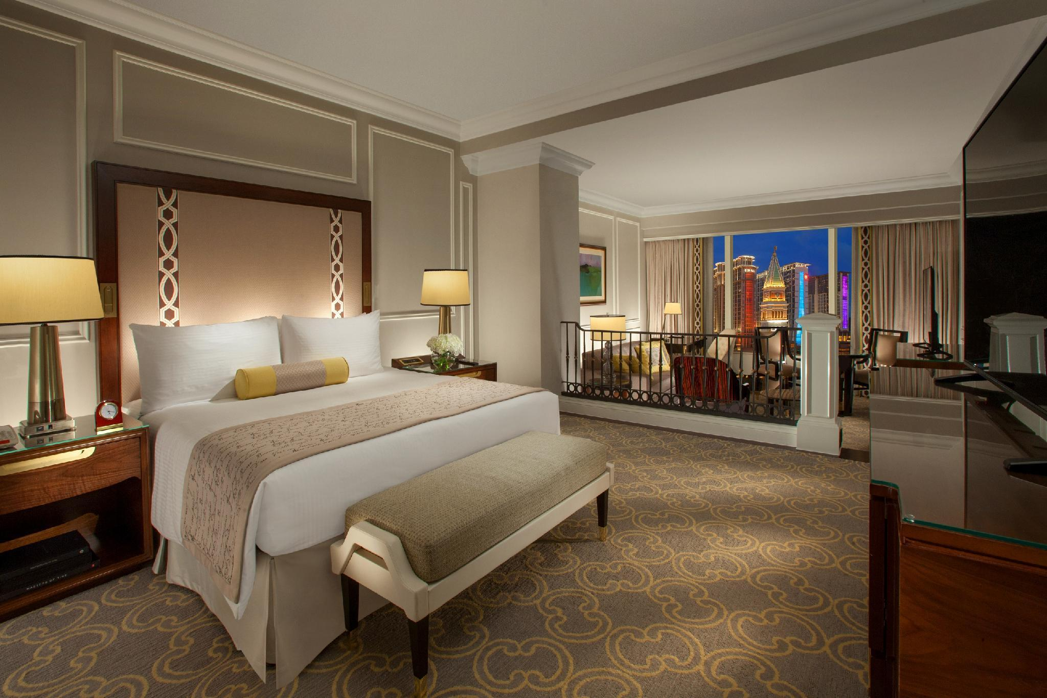 Royale Deluxe Suite with Cotai View