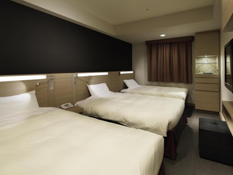標準房(2張單人床+1張加床) - 可吸菸 (Moderate Twin Room with 2 Single Beds and 1 Extra Bed - Smoking)