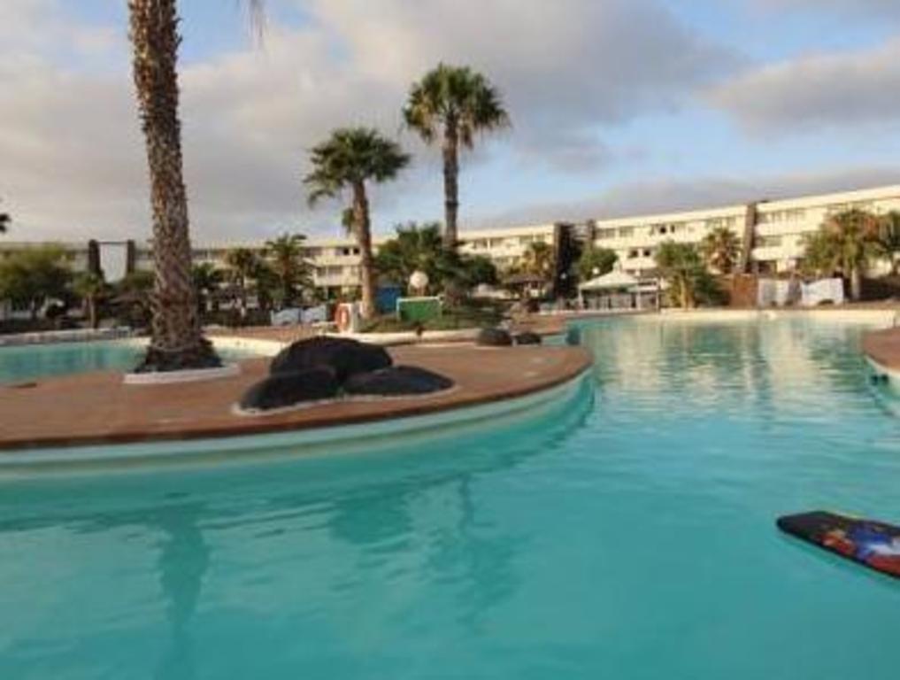 Los zocos club resort in lanzarote room deals photos - Club mahindra kandaghat swimming pool ...