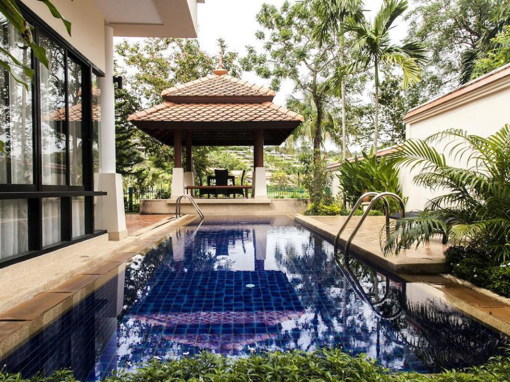 Swimming pool Luxury Villa Laguna by Indreams