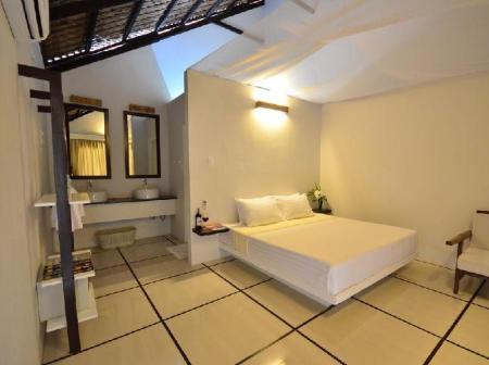 1 Bedroom Deluxe King Bed Blue Palawan Beach Club