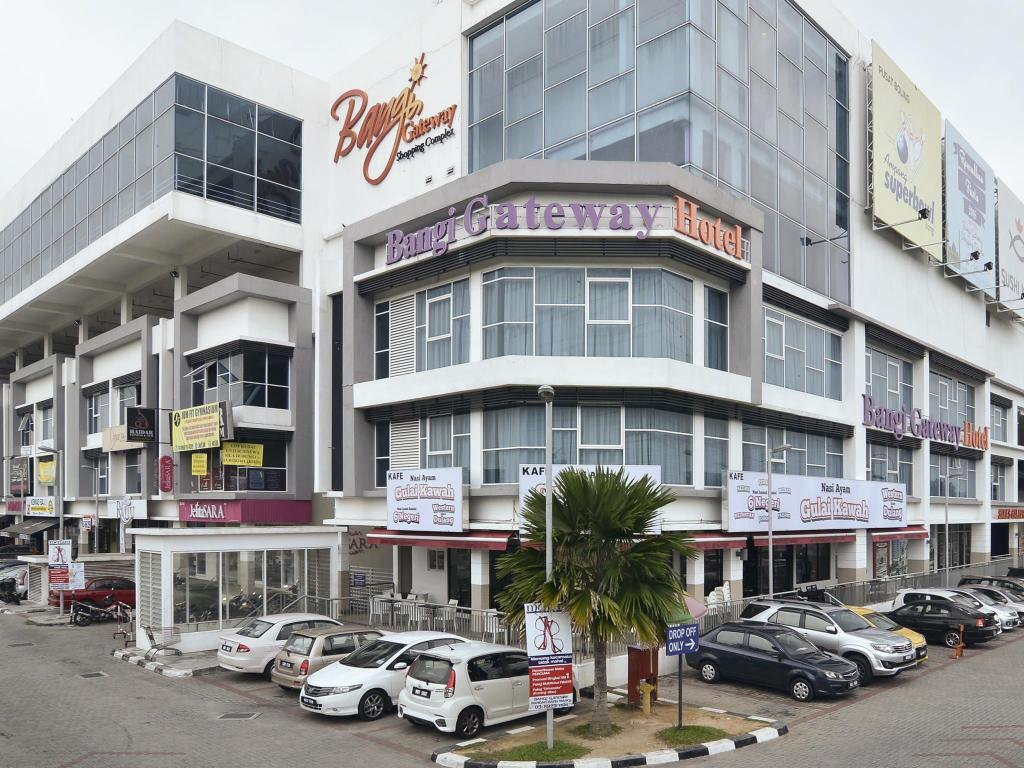 Bangi Gateway Hotel In Kuala Lumpur Room Deals Photos Reviews