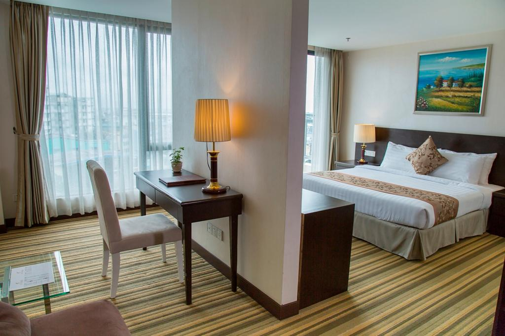 Premier City View Room with King Bed