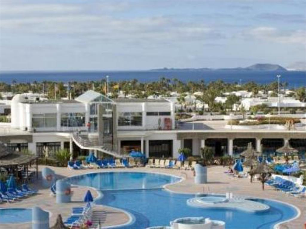 More About Hl Club Playa Blanca