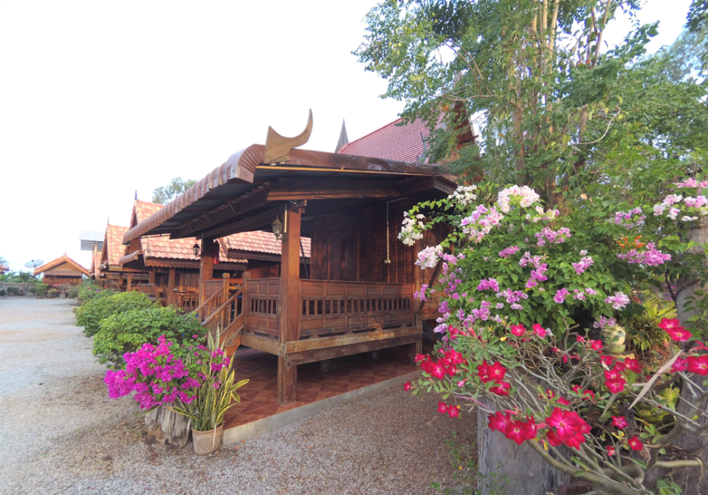 Double Room with Terrace Khum Tewa Sakonnakhon Hotel