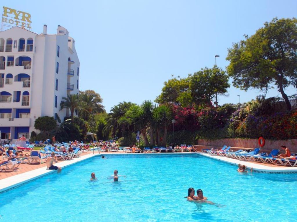 Swimming pool [outdoor] Hotel Pyr Marbella