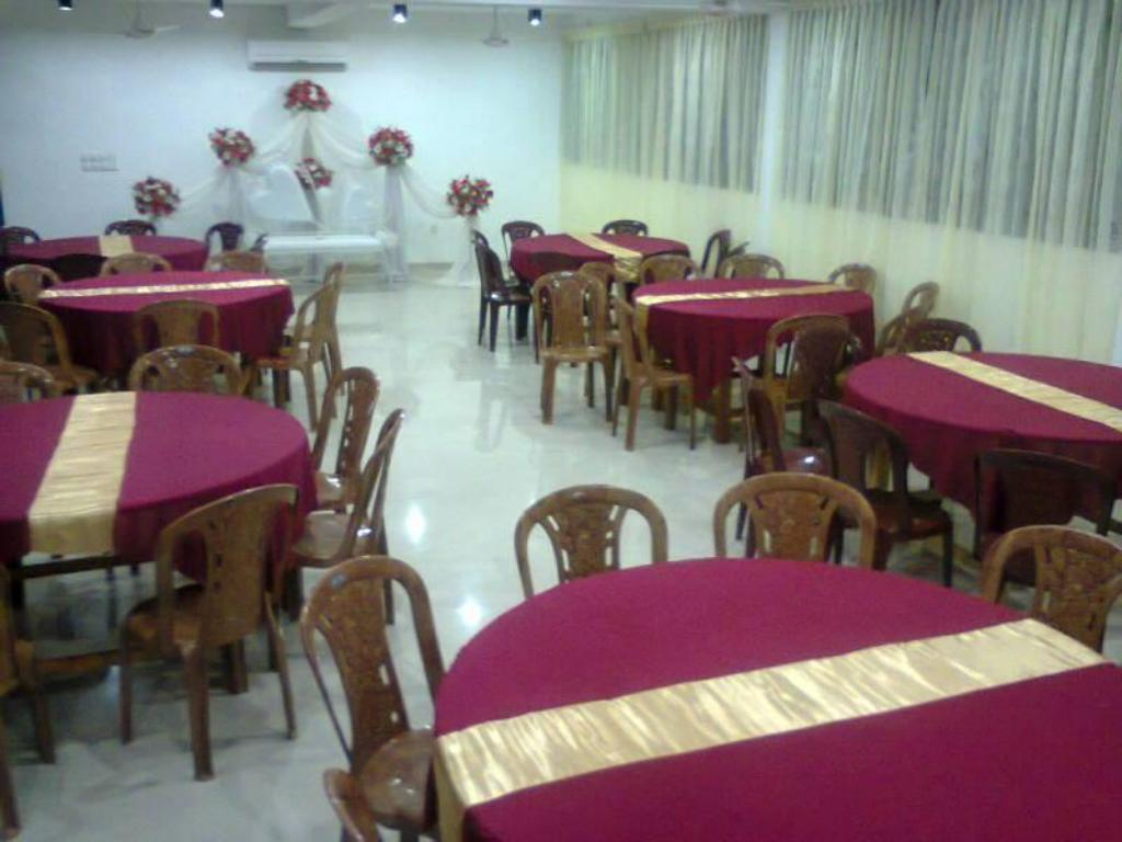 Restaurant New Sunrise Batticaloa Hotel