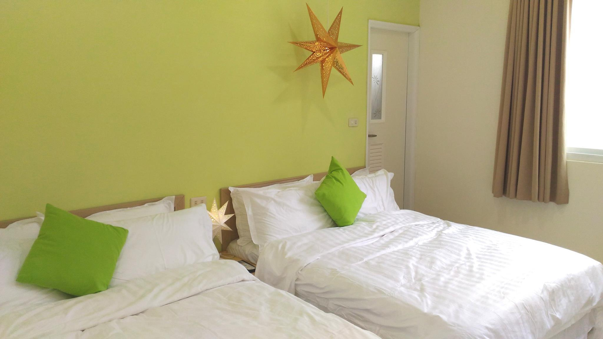 Pineapple Backpackers Hostel in Kaohsiung - Room Deals, Photos & Reviews