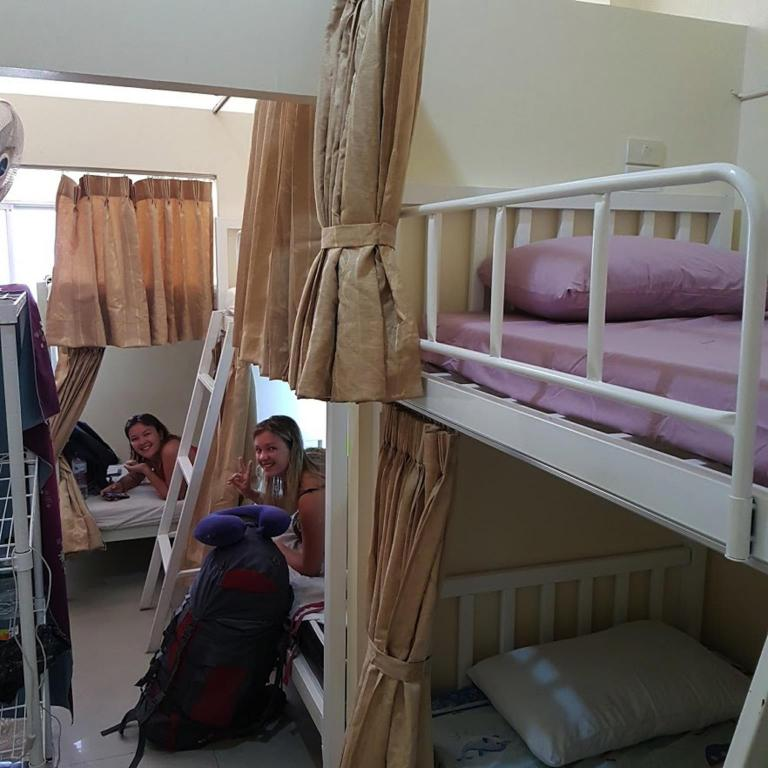 Alle 33 ansehen Chiang Mai Gate Capsule Hostel