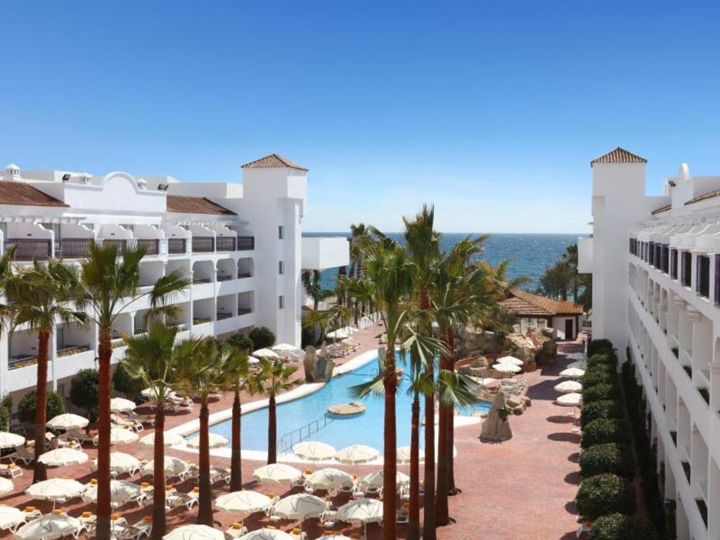 IBEROSTAR Costa Del Sol Hotel (Estepona) - Deals, Photos & Reviews