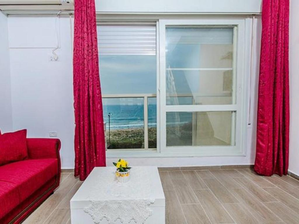 Touch The Sea Apartment - Ha-Aliya Street 65