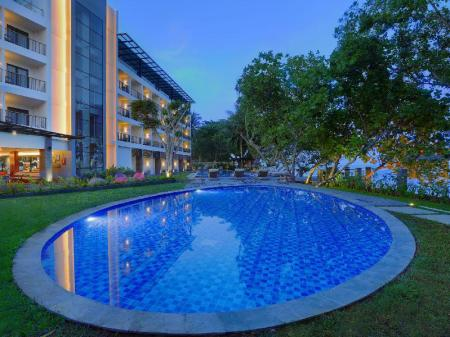 Swimming pool Aston Anyer Beach Hotel