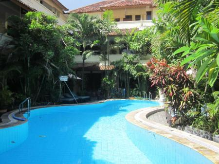 Swimming pool Secret Garden Inn Kuta