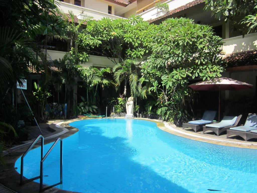 Best price on secret garden inn kuta in bali reviews for Secret garden pool novaliches