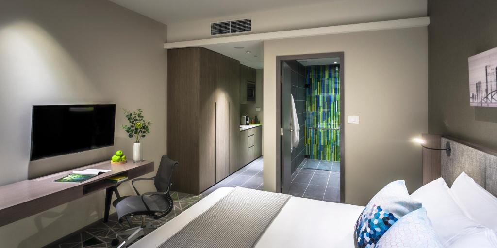 Deluxe Studio - Room plan Capri by Fraser Brisbane