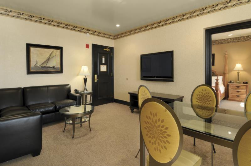 King One Bedroom Executive Suite