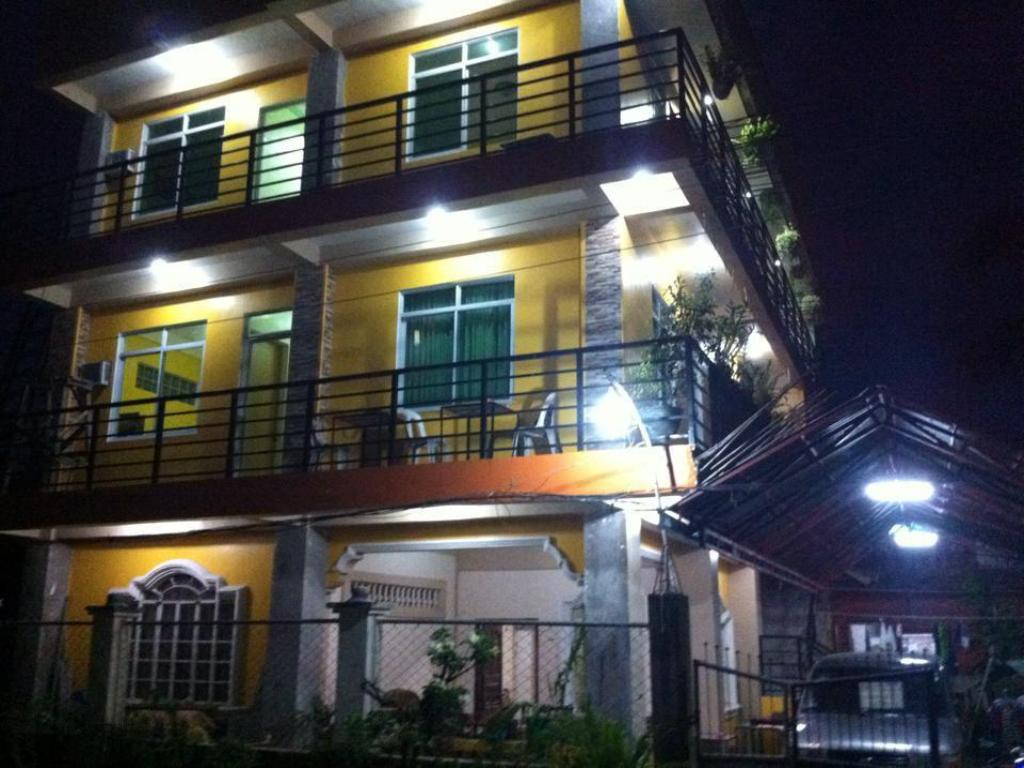 More about Aranas-Carillo Travellers Inn