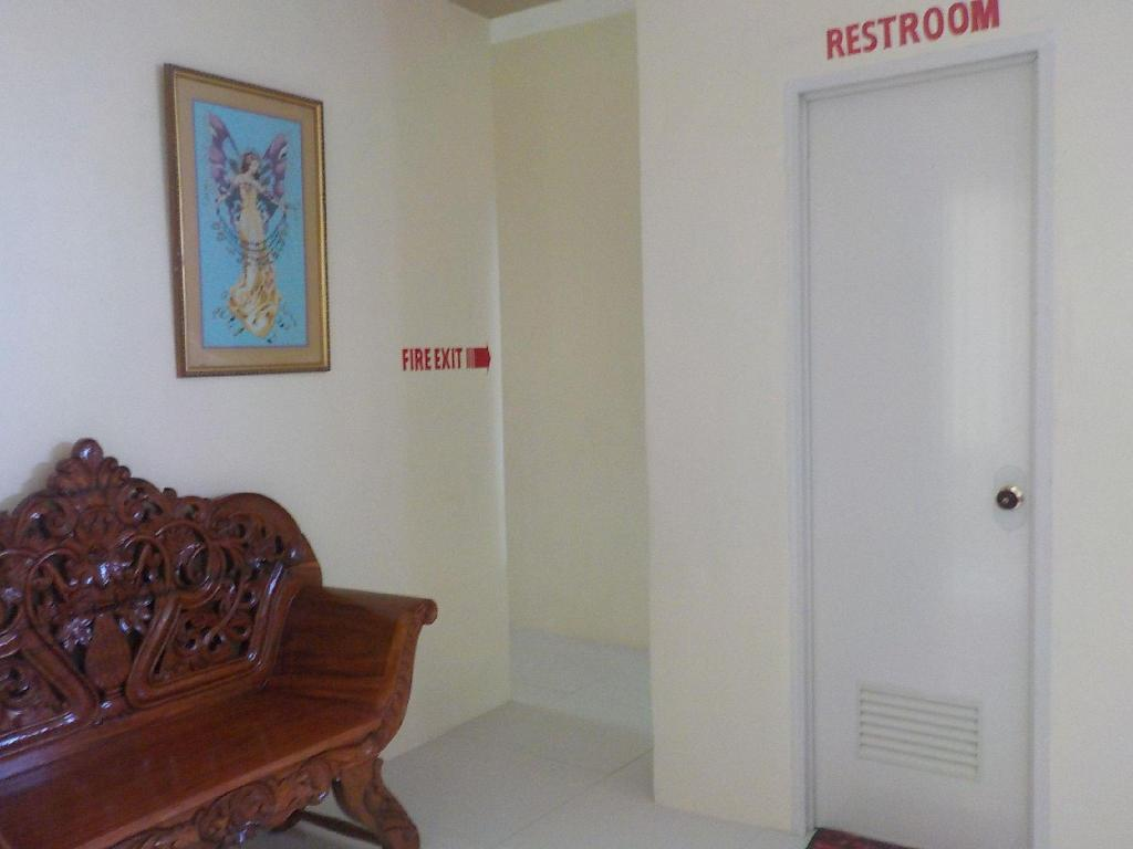 Fan Room with Shared Bathroom