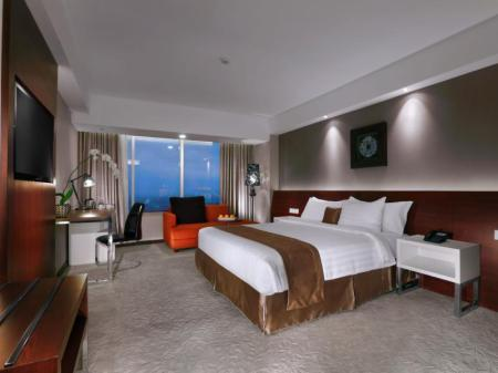 Deluxe Double or Twin Room - Interior view The Alana Yogyakarta Hotel & Convention Center