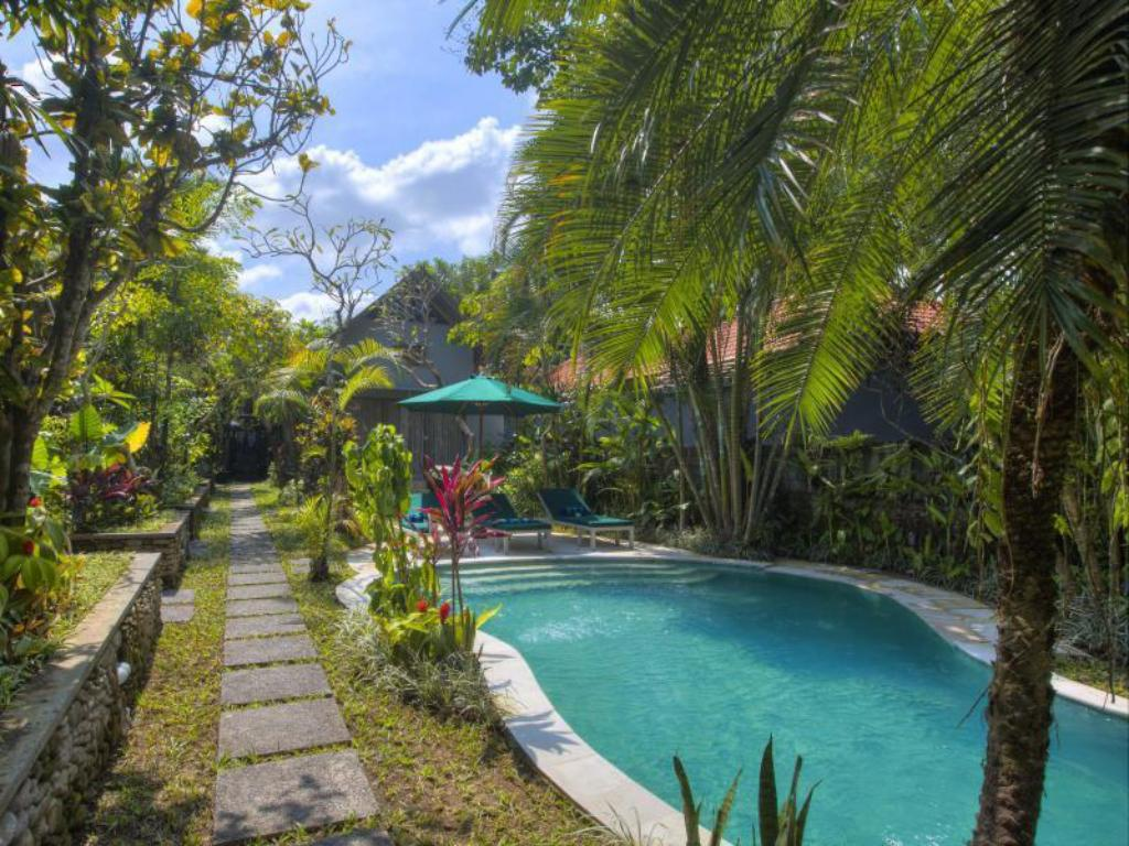 Swimming pool Royal Villa Jepun