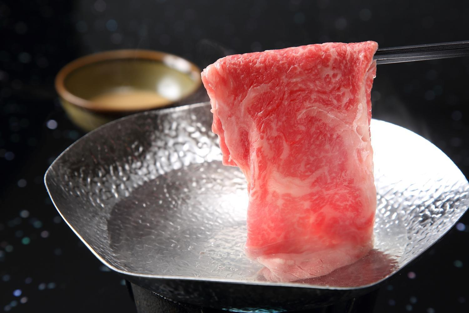 Kamar Bergaya Jepang dengan Pemandian Ruang Terbuka – Termasuk Sarapan, Makan Malam Shabushabu dan Steak Daging Sapi Kobe (Japanese Style Room with Open-Air Bath - Kobe Beef Steak, Shabushabu Dinner and Breakfast Included)
