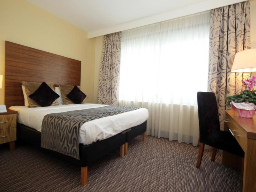 Classic Double or Twin Room - Guestroom Gresham Belson Hotel Brussels