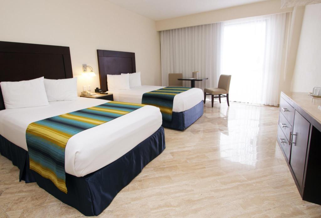 Crown Paradise Cancun >> Crown Paradise Club Hotel Resort Cancun Deals Photos