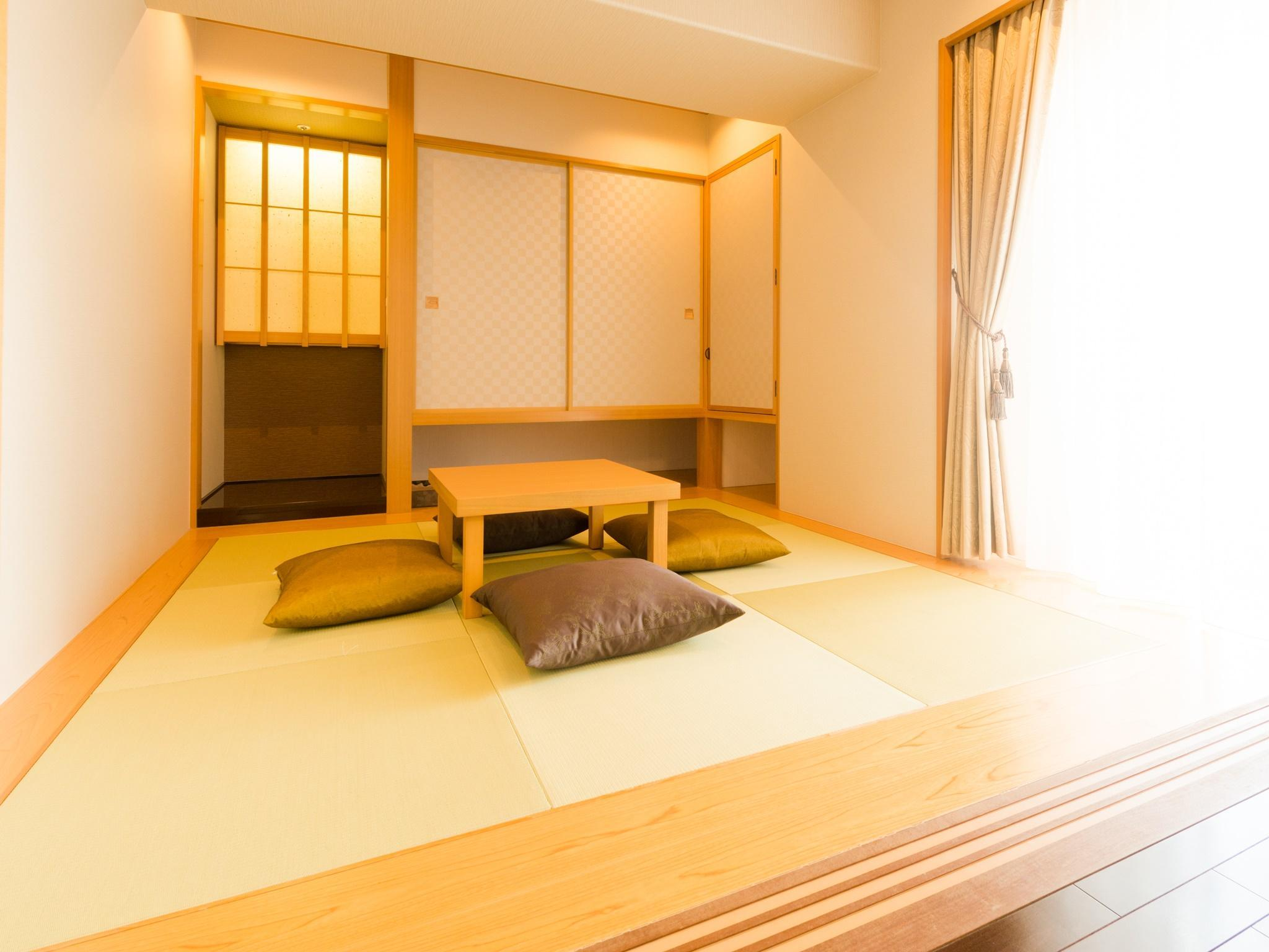 Japanese Western Style Room for 5 People