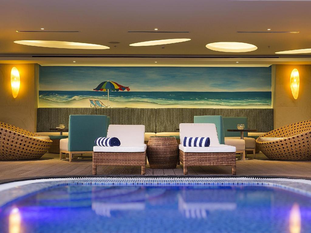 Swimming pool Liberty Central Nha Trang Hotel