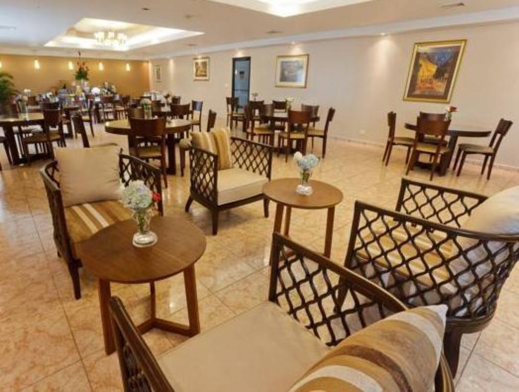 Aula Hotel Coral Suites