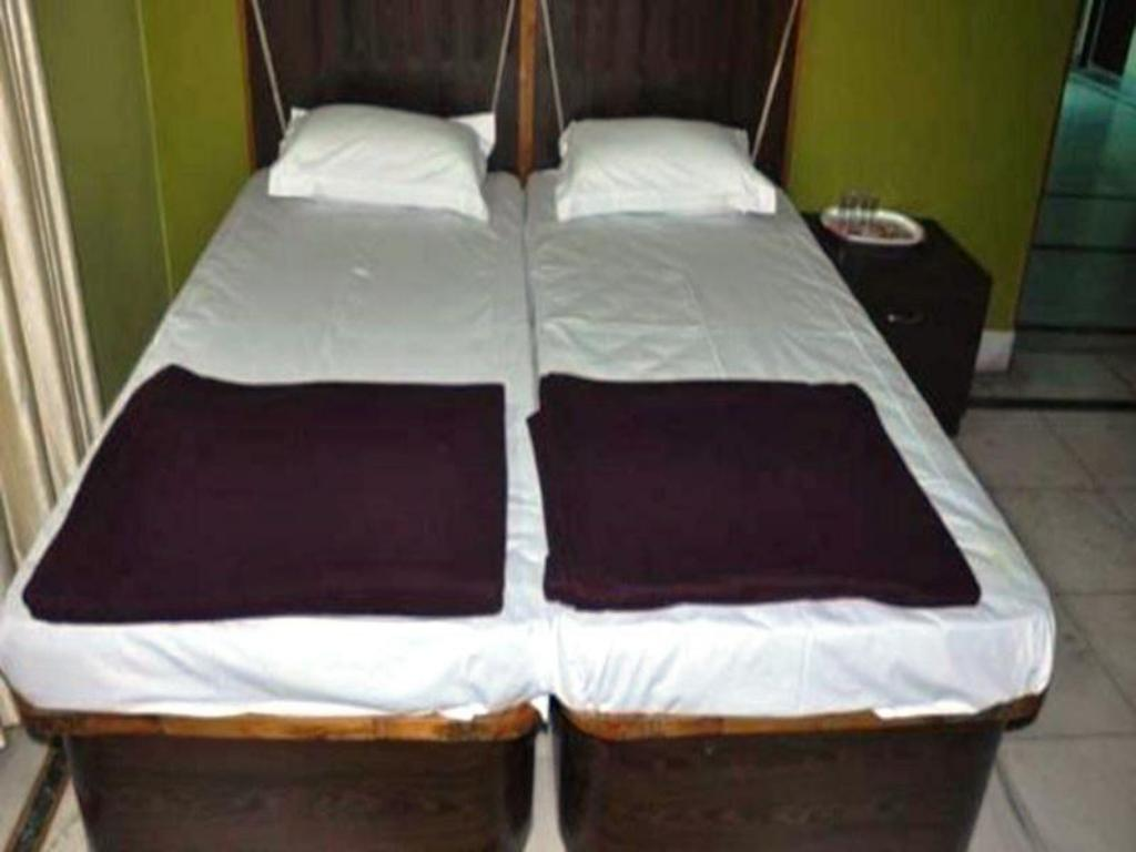 Deluxe - Cama Shreedham Guest House