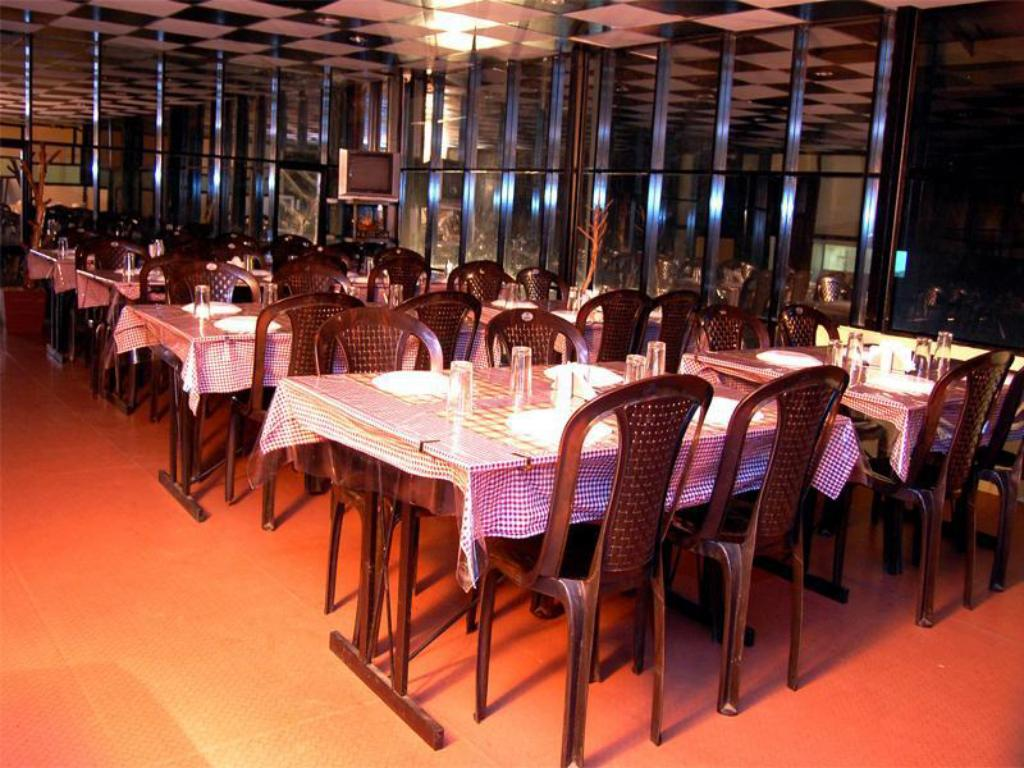 Restaurant Hotel Club9 Holidays