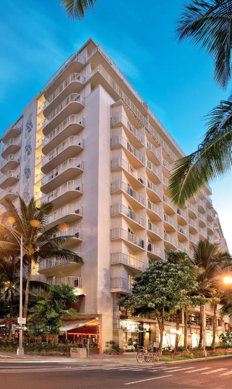 Exterior view Wyndham Waikiki Beach Walk
