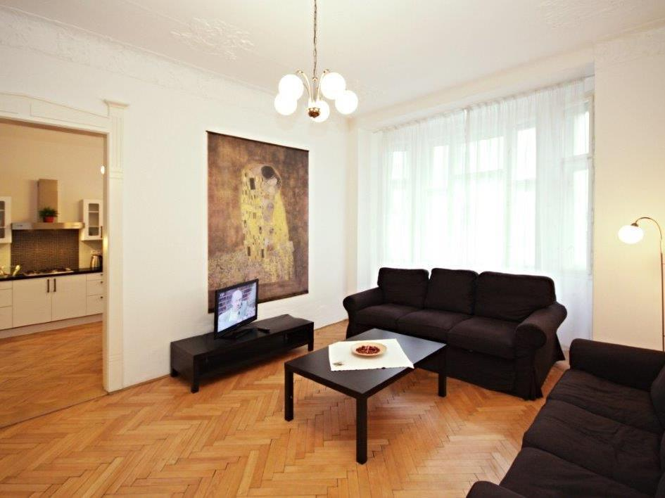 Apartament de Tres Habitacions (Three Bedroom Apartment)