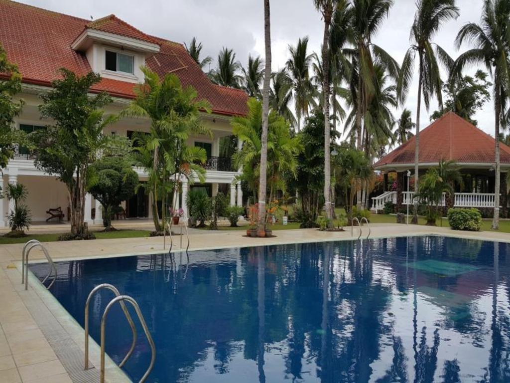 lady ester grand villa resort and farm in laguna room. Black Bedroom Furniture Sets. Home Design Ideas