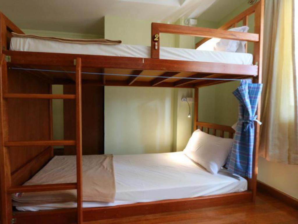 6-Bed Mixed Dormitory Chanchala Cafe and Hostel