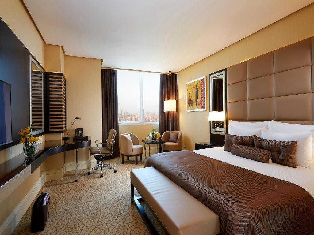 Standard King Room - Guestroom Millennium Hotel and Convention Centre Kuwait
