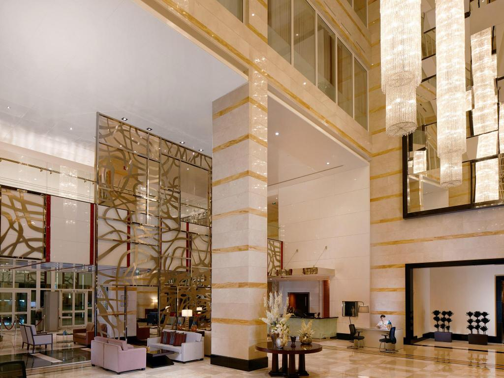 Lobby Millennium Hotel and Convention Centre Kuwait