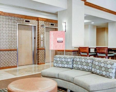Lobby Comfort Suites Weston - Sawgrass Mills South