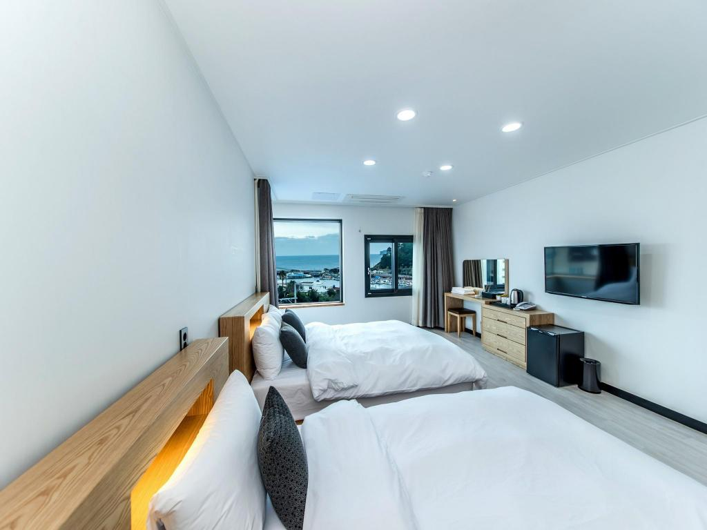 Standard Twin - Guestroom Jeju Nine Boutique Hotel