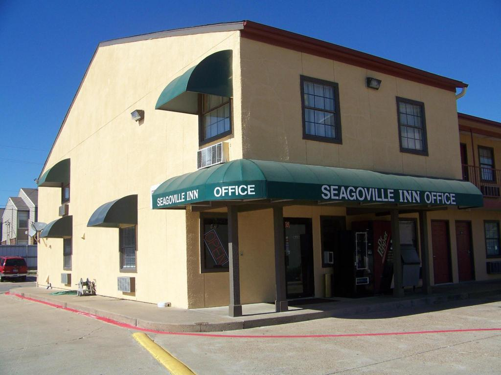 More about Seagoville Inn Seagoville