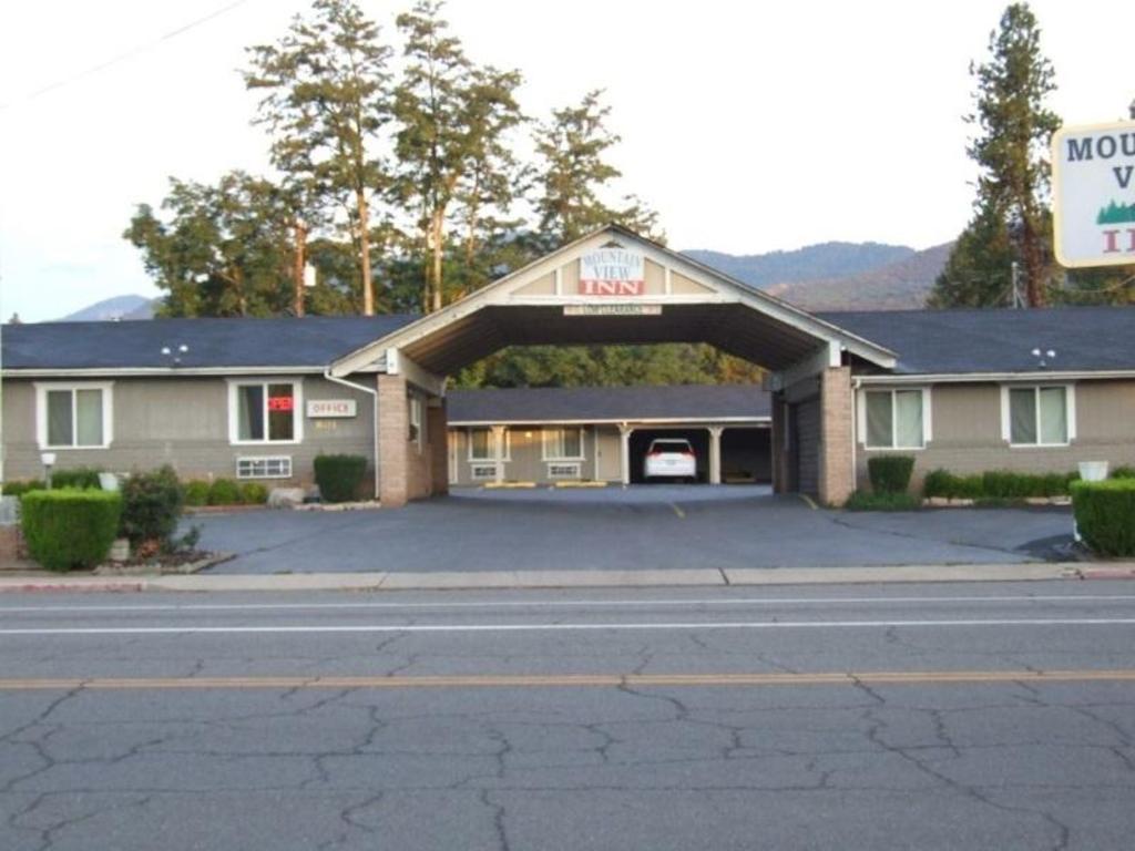 More About Mountain View Inn Yreka
