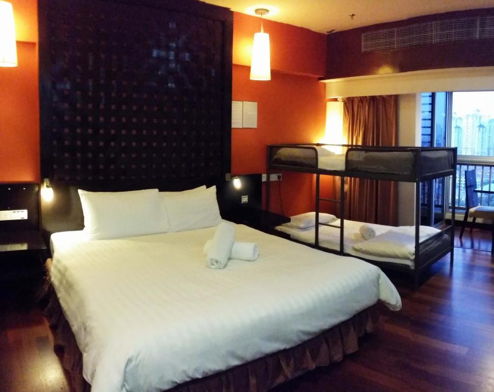 Studio Suite (4 Persons) - Bed Private Studio Suite at Sunway Resort Suite (Pyramid Tower)