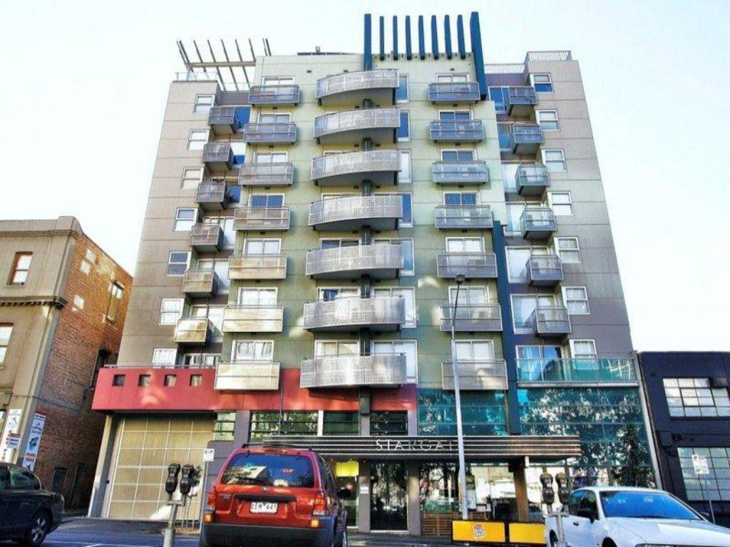 Best price on nova stargate apartment hotel in melbourne for Good friday hotel deals