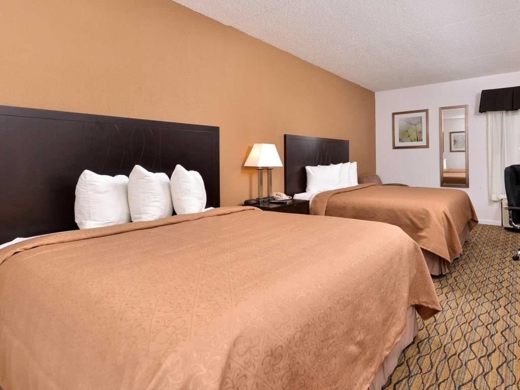 2 Queensize-Betten - Bett Quality Inn and Suites Matteson