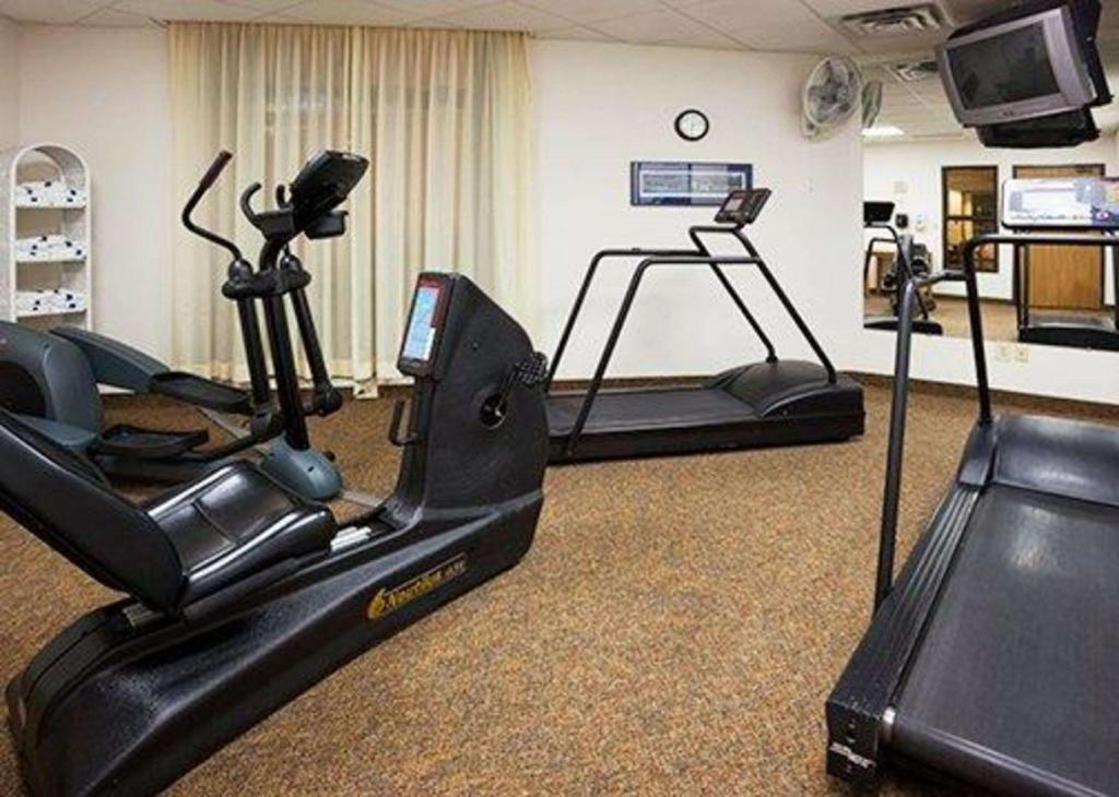 gym Quality Inn and Suites Eagan