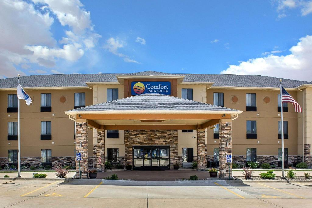 More about Comfort Inn & Suites Cedar Rapids North - Collins Road