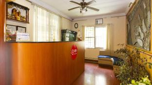 OYO 374 Apartment near Fortis Hospital