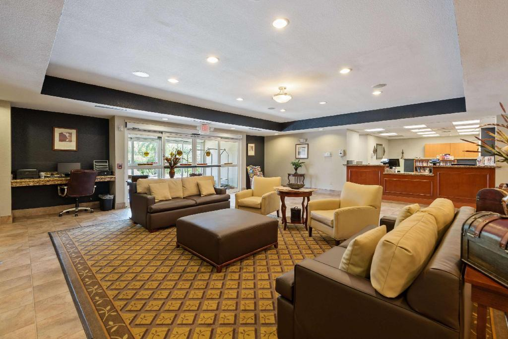 Lobby Extended Stay America Houston IAH Airport