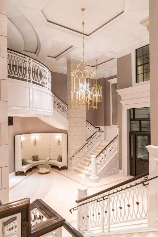 Hotel Bennett Charleston In Charleston Sc Room Deals Photos